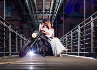 Brautpaar in der Speicherstadt.jpg