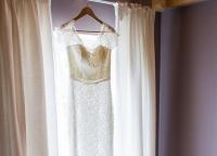 Brautkleid mit Fensterlicht.jpg