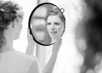 Braut im Spiegel.jpg