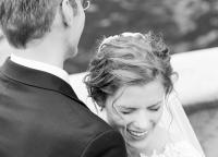 Spass beim Brautpaarshooting.jpg