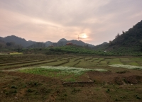 Sonnenuntergang in Vietnam.jpg