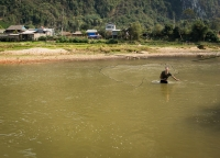 Muschelfang in Vietnam.jpg
