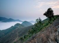 Sonnenaufgang in Vietnam.jpg