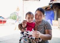 vietnamische Mutter mit Kind.jpg